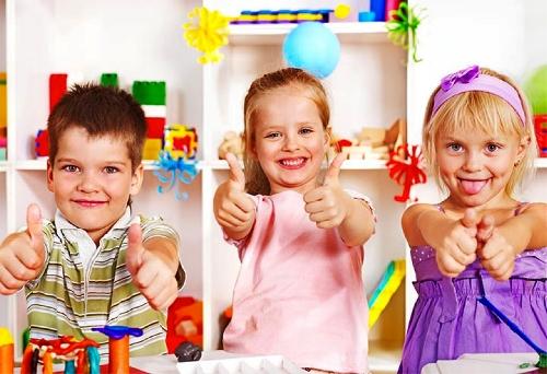 Профессиональная подготовка помощников воспитателей / младших воспитателей в области образования и педагогики